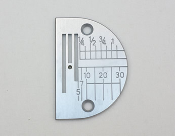 写真:シンガーミシン 「薄物用針板」(職業用ミシン)