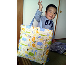 アニマル柄の保育園バッグ