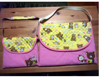 フェルトで作ったリラックマの飾り付き入園バッグ