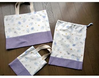 裏地と切り替え布つきで作った上履き入れとバッグと巾着袋
