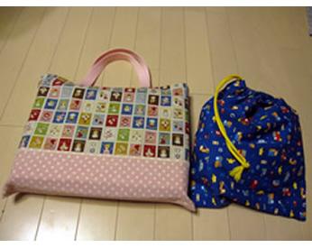 男の子と女の子用2種類のバッグを作りました