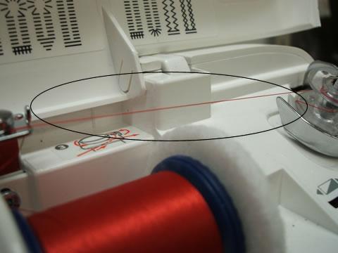 下糸巻き軸に糸が巻きついてしまった場合の対処法